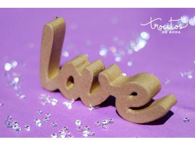 Palabra LOVE de cartón